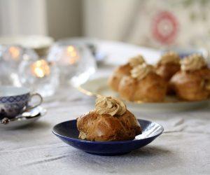Recept på Mocka petit choubakelser eller vattenbakelser.