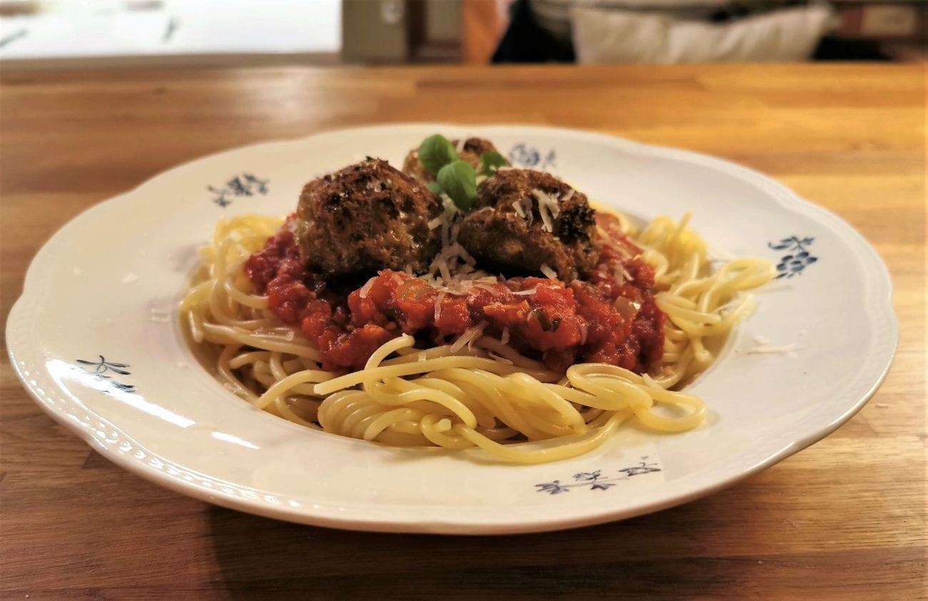 Amerikansk spagetti och köttbullar