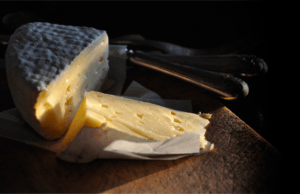 Skogsbackens ost i Uppland