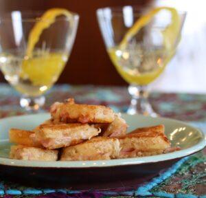 Recept på Varma Sandwich med ost och skinka. Kallas även för Varma mackor!