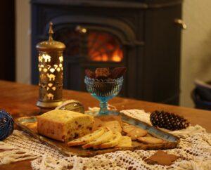 Fika i adventstid med kakor och godsaker från förr